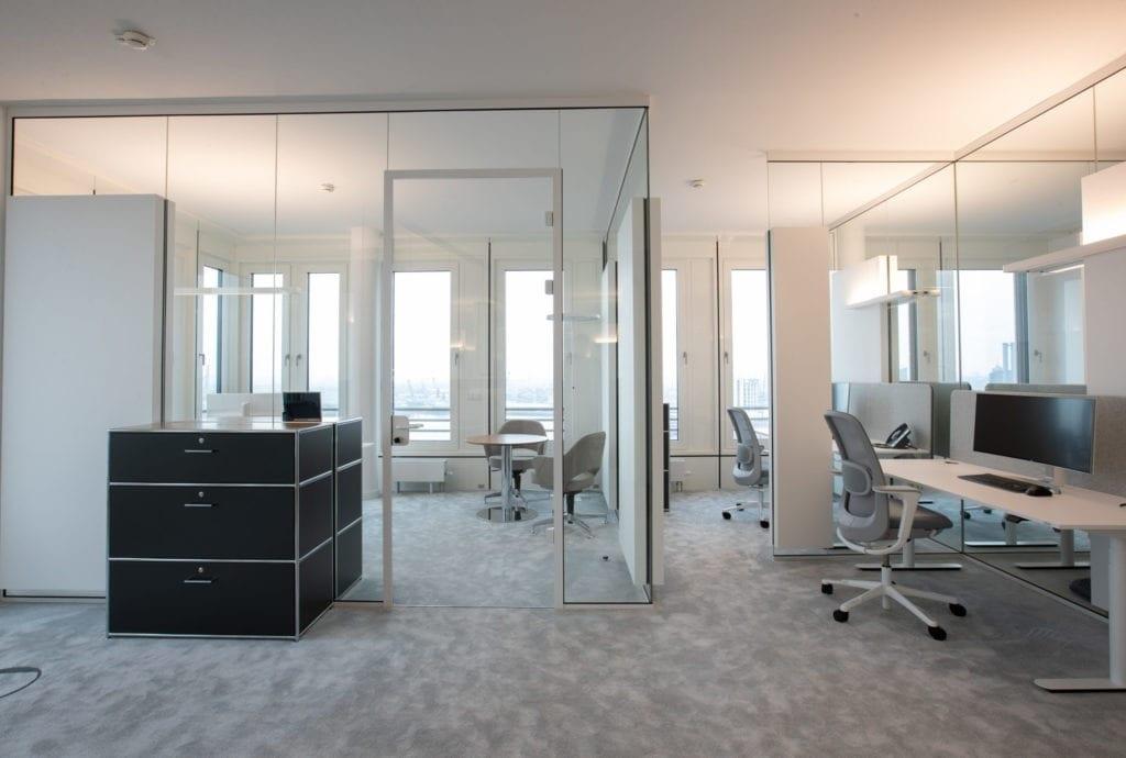 Glasbegrenzung für das Büro